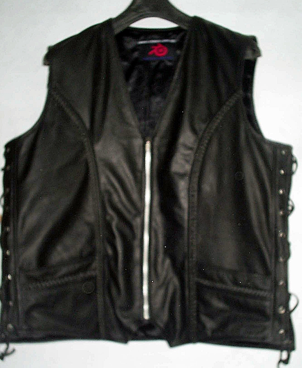 mens-leather-vest-style-mlv1359-www.leather-shop.biz-front-pic.jpg